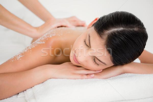 Vrouw genieten zout massage spa Stockfoto © wavebreak_media