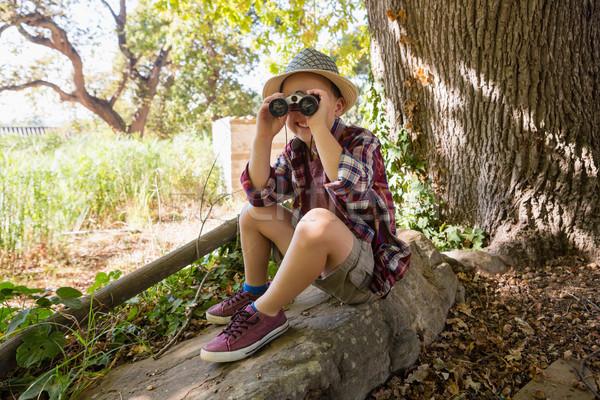 Fiú néz látcső erdő mosolyog kő Stock fotó © wavebreak_media