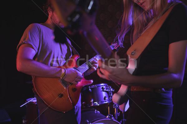 Homme femme jouer discothèque musique Photo stock © wavebreak_media