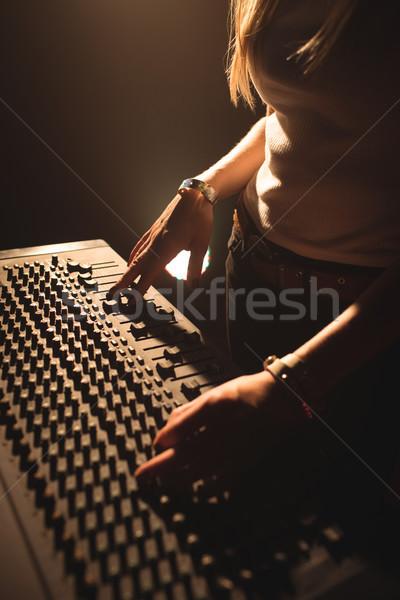 Vrouwelijke geluid mixer muziek concert Stockfoto © wavebreak_media