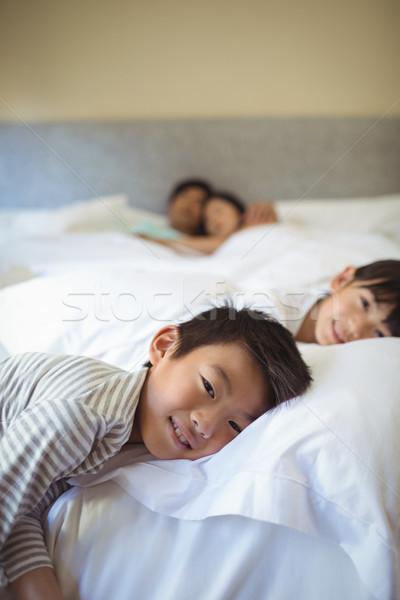 Fratelli dormire letto camera da letto home bambino Foto d'archivio © wavebreak_media