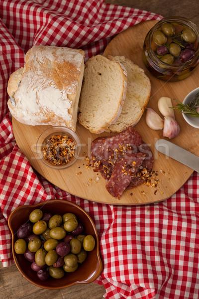 Brood olijven vlees servet rechtstreeks boven Stockfoto © wavebreak_media