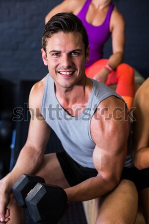 Férfi segít beteg előad testmozgás ellenállás Stock fotó © wavebreak_media