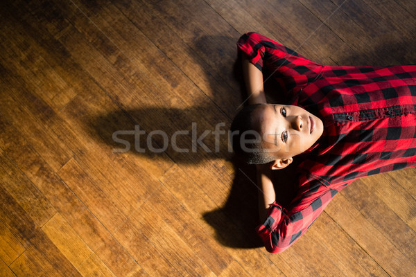 Retrato bonitinho menino relaxante casa Foto stock © wavebreak_media