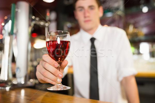 Masculina barman alcohol bar contra Foto stock © wavebreak_media