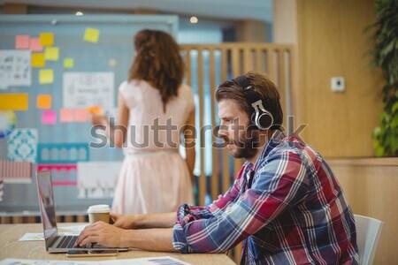 Stock fotó: Női · designer · digitális · tabletta · otthon · üzlet
