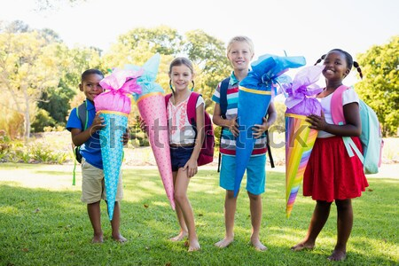 дети позируют вместе камеры парка Сток-фото © wavebreak_media