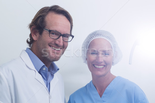 Foto stock: Retrato · dentista · dental · assistente · máscara · cirúrgica