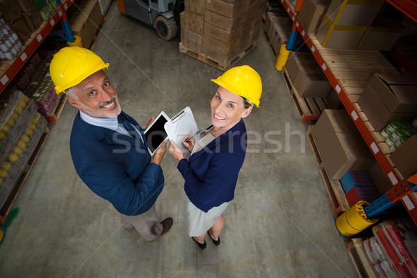 Magazynu kierownik klienta cyfrowe tabletka Zdjęcia stock © wavebreak_media