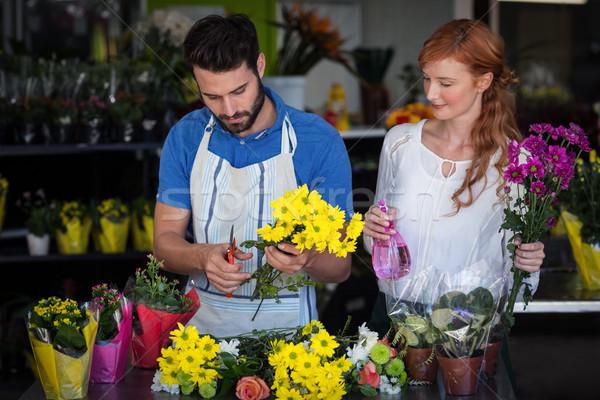 пару букет женщину цветок маркетинга Сток-фото © wavebreak_media