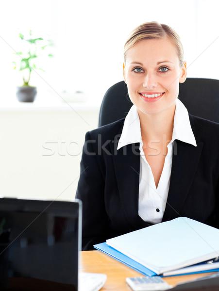 Jonge zakenvrouw vergadering bureau kantoor business Stockfoto © wavebreak_media