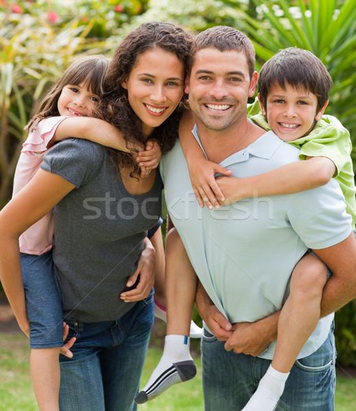 Anya apa gyerekek háton család férfi Stock fotó © wavebreak_media