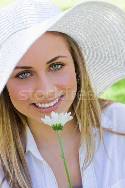 молодые довольно блондинка девушки Hat Сток-фото © wavebreak_media
