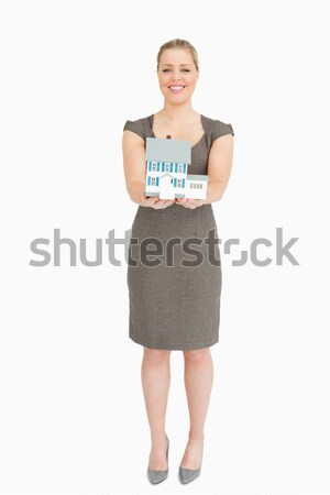 Mulher sorrindo globo branco mãos cidade Foto stock © wavebreak_media