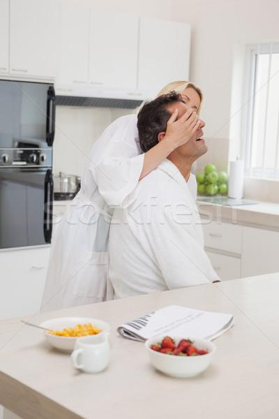 Nő szemek reggeli asztal konyha oldalnézet Stock fotó © wavebreak_media