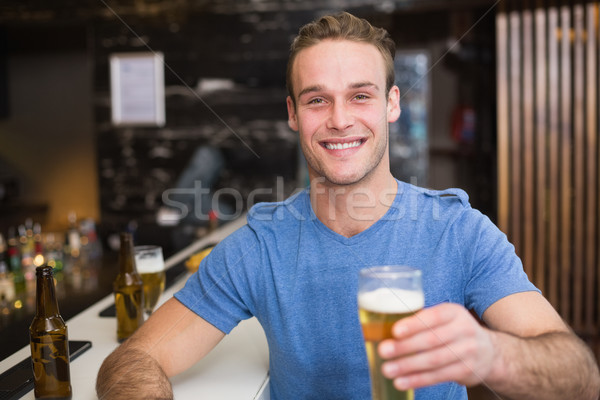 Moço quartilho cerveja bar álcool Foto stock © wavebreak_media