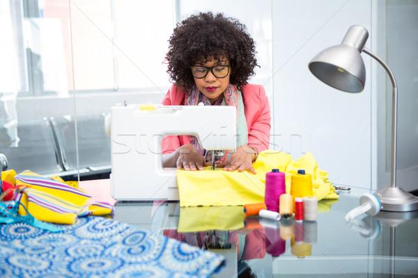 моде дизайнера швейные машины Привлекательная женщина бизнеса очки Сток-фото © wavebreak_media