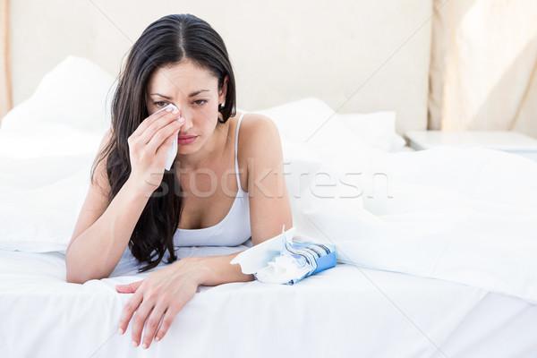 Güzel esmer ağlayan yatak ev kadın Stok fotoğraf © wavebreak_media