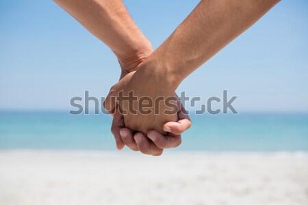 ストックフォト: 手 · カップル · 手をつない · ビーチ · 砂 · 女性