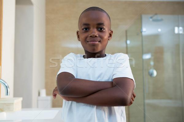 肖像 笑みを浮かべて 少年 立って バス 国内の ストックフォト © wavebreak_media