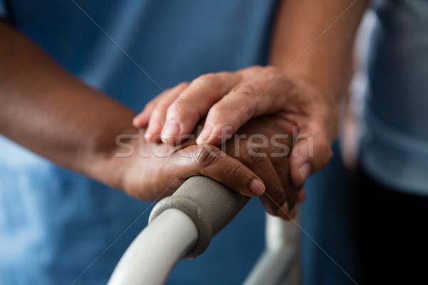 Kezek nővér idős nő tart öregek otthona Stock fotó © wavebreak_media