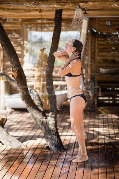 Mujer toma bano ducha safari vacaciones Foto stock © wavebreak_media