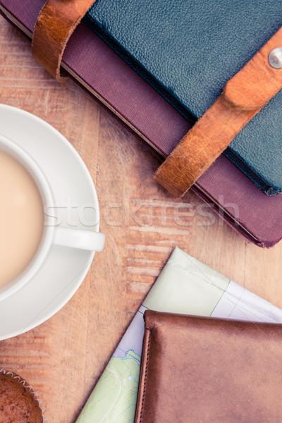 Kahve cüzdan ahşap tablo içmek Stok fotoğraf © wavebreak_media