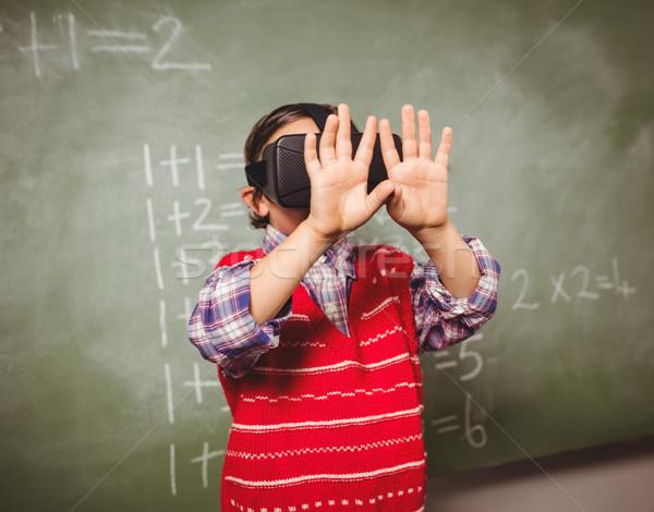 Fiú virtuális valóság berendezés iskola technológia Stock fotó © wavebreak_media