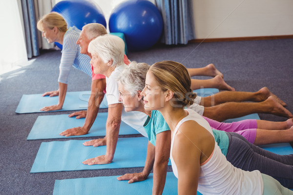 Fitness instructor piernas formación Foto stock © wavebreak_media