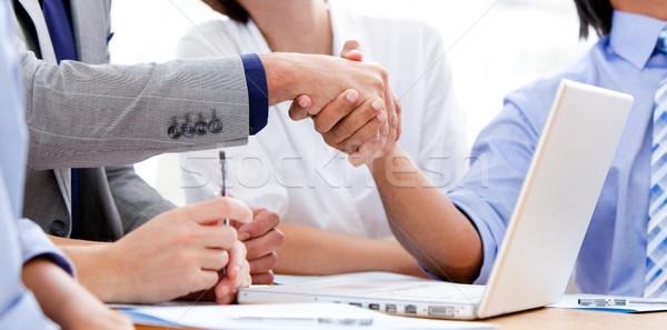 Handen schudden vergadering vrouw handen Stockfoto © wavebreak_media