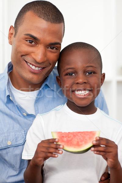 肖像 笑みを浮かべて 少年 食べ フルーツ 父 ストックフォト © wavebreak_media