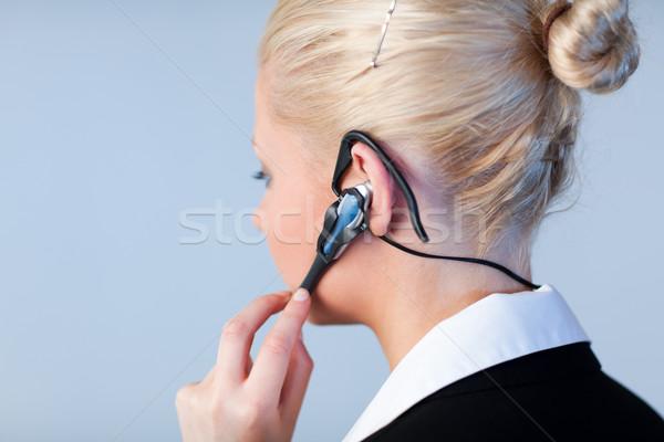 женщину говорить гарнитура Focus привлекательный молодые Сток-фото © wavebreak_media