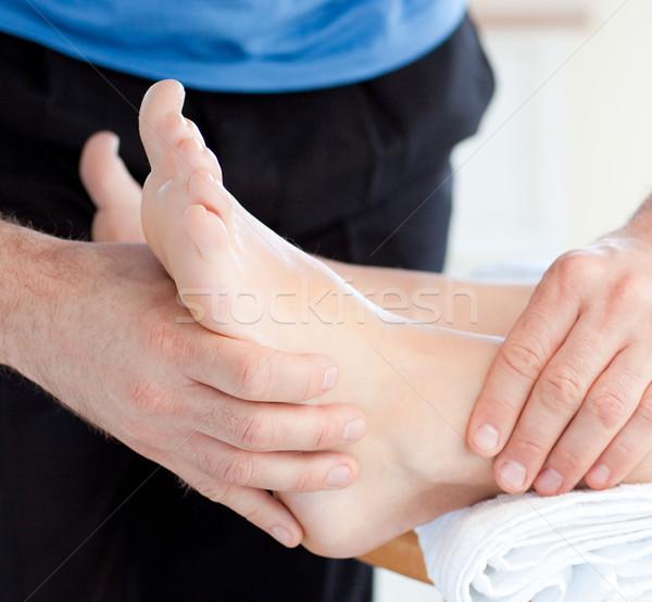 Primo piano donna piedi massaggio salute Foto d'archivio © wavebreak_media