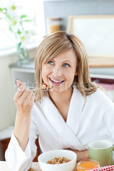 Parlak kadın yeme tahıl banyo Stok fotoğraf © wavebreak_media