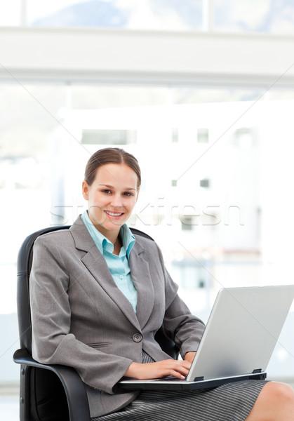 довольно деловая женщина рабочих столе ноутбука служба Сток-фото © wavebreak_media