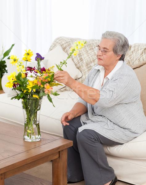 Senior Blumen home Frau Gesicht Schönheit Stock foto © wavebreak_media