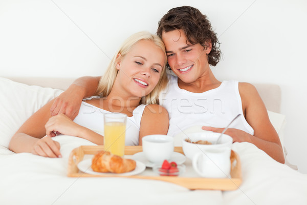 Bonitinho casal café da manhã quarto mulher amor Foto stock © wavebreak_media