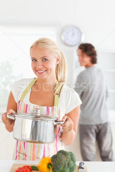 Foto d'archivio: Ritratto · donna · posa · cucina · sorriso