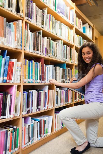 Portré mosolyog női diák választ könyv Stock fotó © wavebreak_media