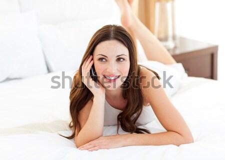 Vrouw einde bed stikken glimlachend hoofd Stockfoto © wavebreak_media