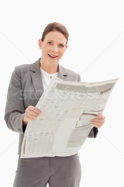 удивленный деловая женщина газета бизнеса красоту Сток-фото © wavebreak_media