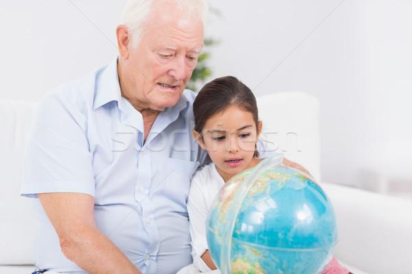 Photo stock: Petite · fille · grand-père · monde · séance · canapé · maison