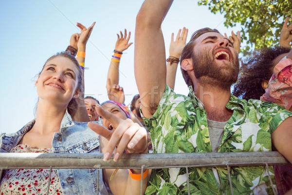 Aufgeregt Jugendlichen singen Musik-Festival Musik Party Stock foto © wavebreak_media