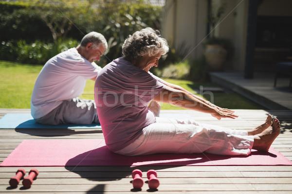 Casal de idosos juntos varanda sessão homem Foto stock © wavebreak_media