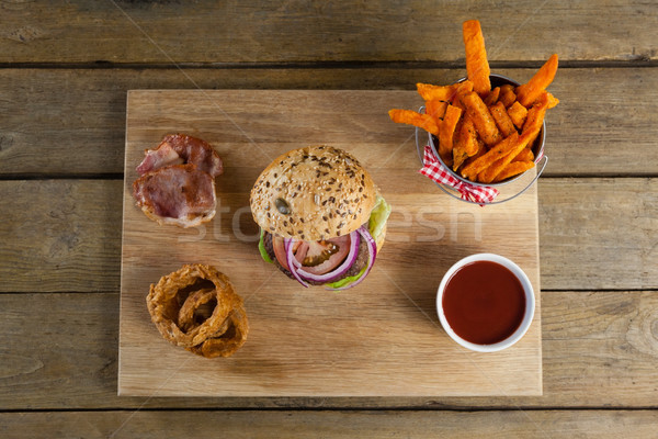 Stok fotoğraf: Hamburger · patates · kızartması · soğan · halka · domates · sosu