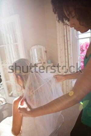вуаль невеста волос домой сидят женщину Сток-фото © wavebreak_media