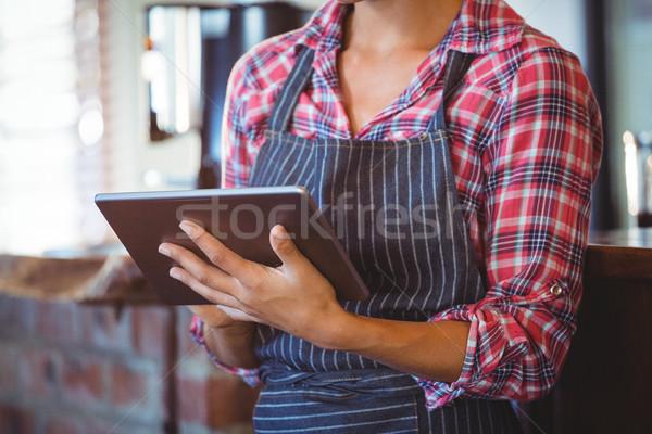 Pincérnő ír könyv kávézó étterem dolgozik Stock fotó © wavebreak_media