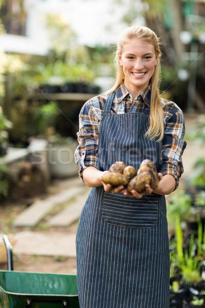 女性 植木屋 肖像 笑みを浮かべて ストックフォト © wavebreak_media