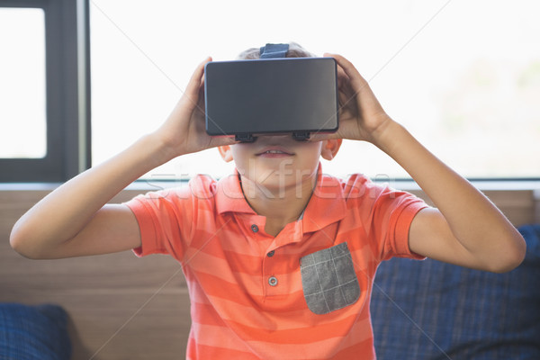 バーチャル 現実 眼鏡 ライブラリ 男子生徒 ストックフォト © wavebreak_media