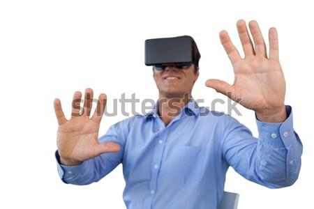 Man virtueel realiteit hoofdtelefoon witte communicatie Stockfoto © wavebreak_media